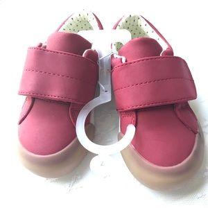 Cat and Jack Red Velcro Zip Sneakers Sz 7